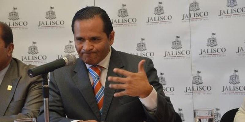 Renuncia fiscal de Jalisco; buscará ser candidato del PRI a gobernador