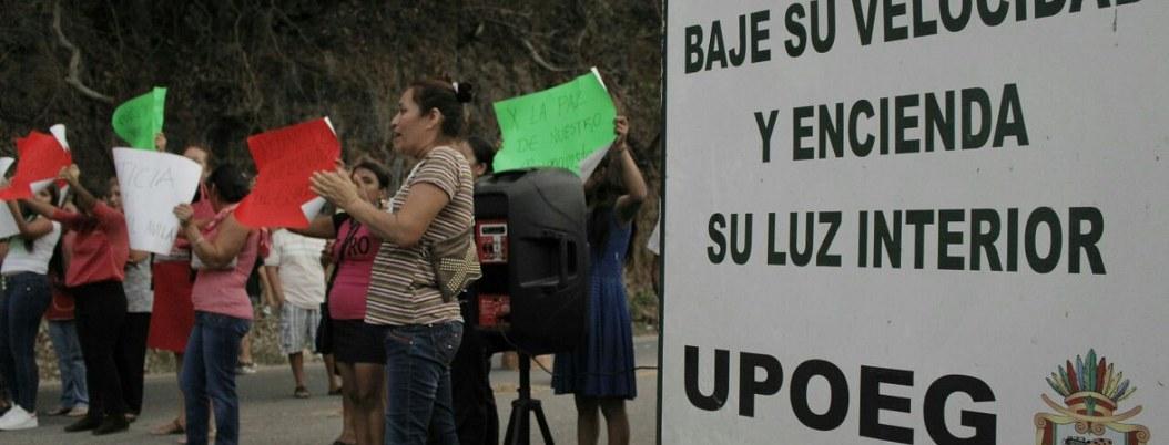 Bloquean la México-Acapulco por abusos de la UPOEG; piden a la Marina 1