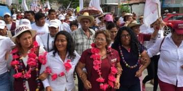 Adela Román llama a ciudadanos a no empeñar el futuro de Acapulco 12
