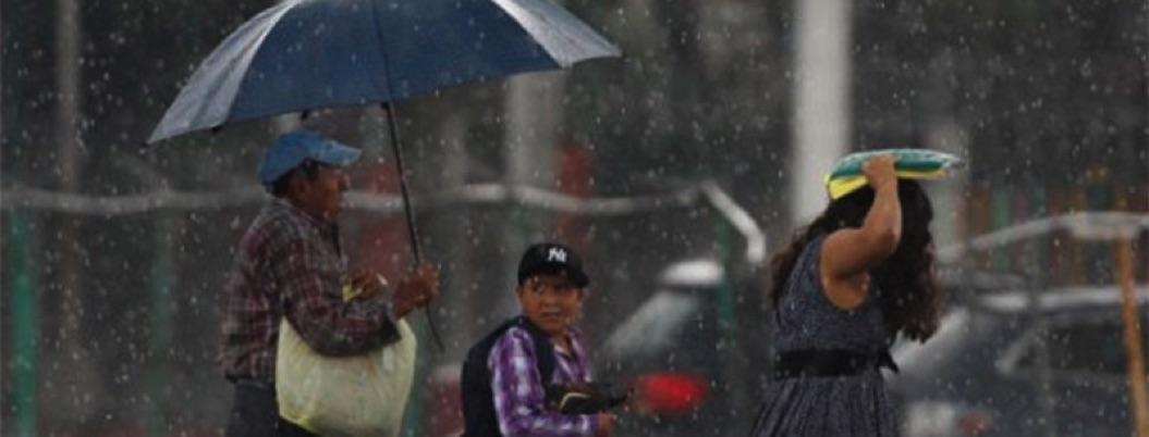 Prevén lluvias en 27 estados y olas de 2 a 3 metros en tres entidades