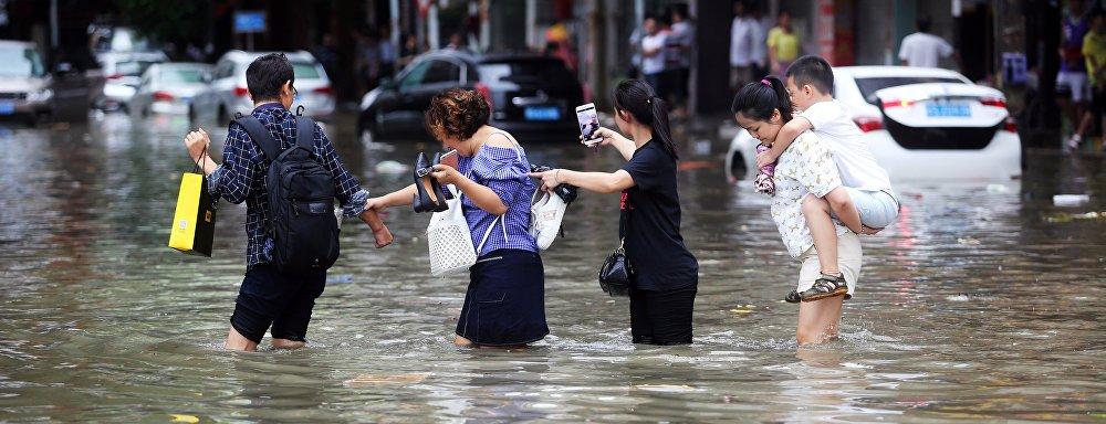 Hong Kong inicia recuperación del tifón más fuerte del que haya registro