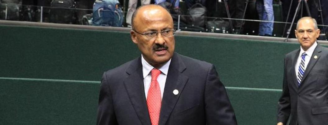 Renuncia René Juárez como coordinador de bancada del PRI en Congreso