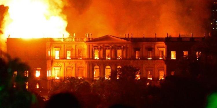 Restauración de museo incendiado en Rio llevará 10 años, según Unesco 1