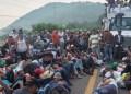 Caravana de 3 mil centroamericanos y cubanos avanza en Chiapas 6