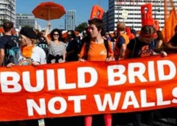 Marchan miles de alemanes contra la discriminación y la ultraderecha 1