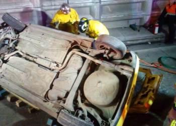 Volcadura de auto deja dos adultos y tres niños muertos en Puebla 4