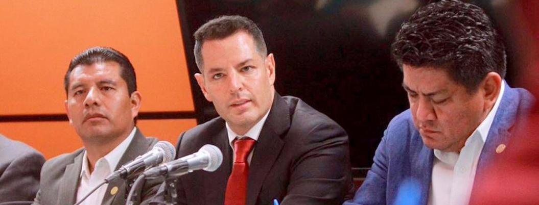 Gobernador de Oaxaca apoya legalización de marihuana y amapola