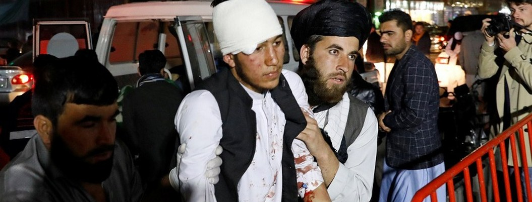 Mueren 50 personas en explosión en salón de bodas de Kabul
