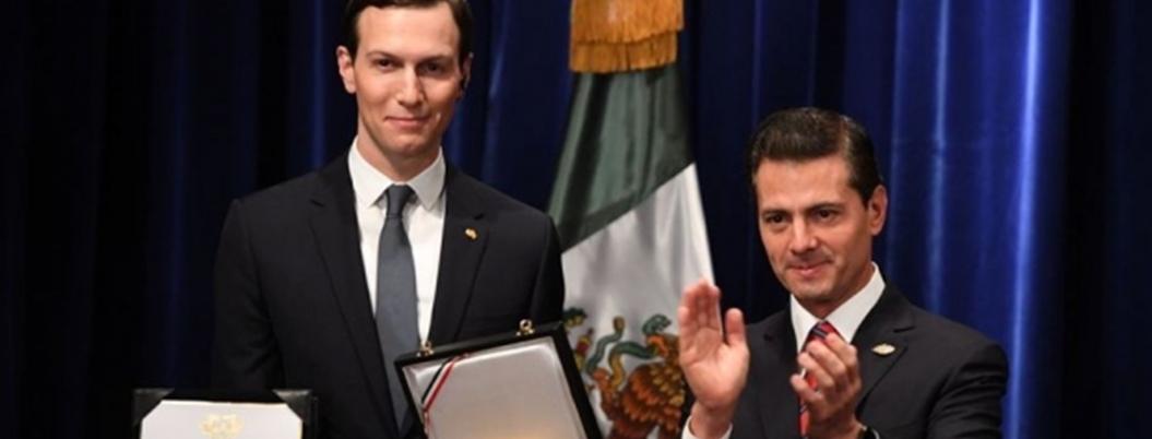 Peña le entrega condecoración a yerno de Trump
