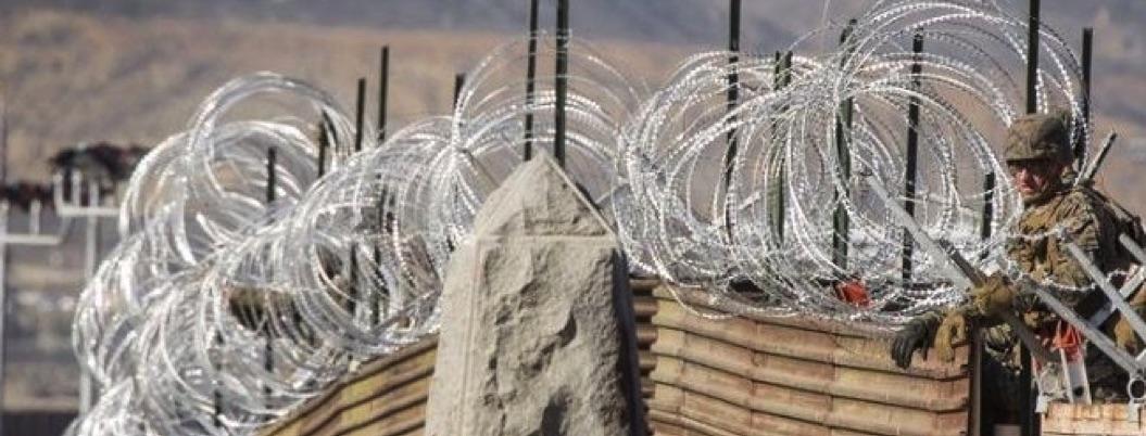 EU pone barricadas en frontera como si estuviera en guerra: la locura