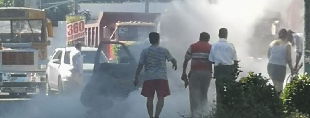 Hombres armados incendian auto en Acapulco; bomberos ignoran llamadas