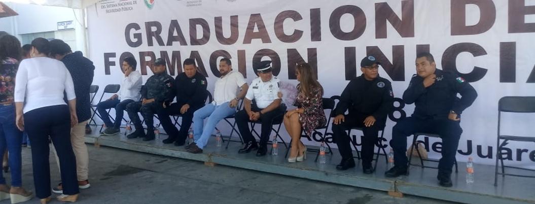 Devuelven sus armas a 500 policías de Acapulco acreditados