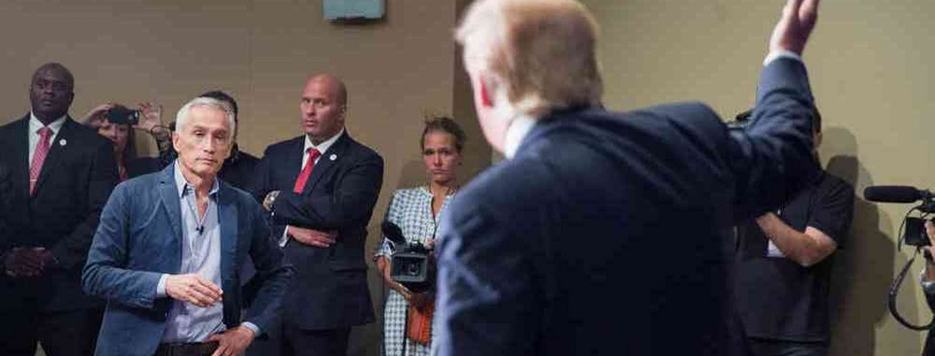 "Trump amenaza con abandonar ruedas de prensa ante ""preguntas incomodas"""