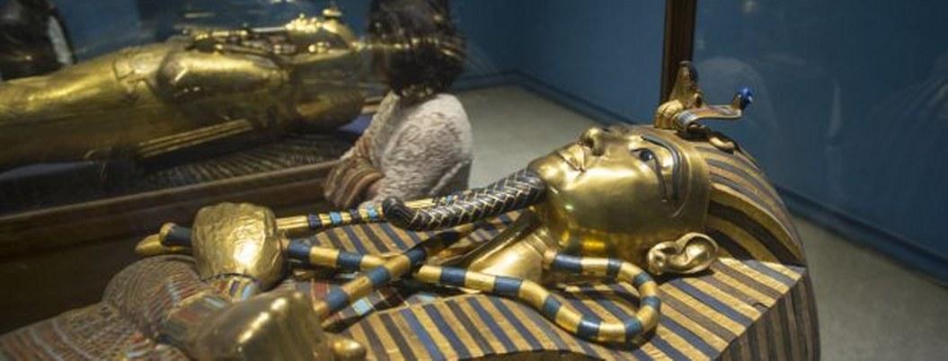 París expondrá 150 tesoros de la tumba Tutankamón