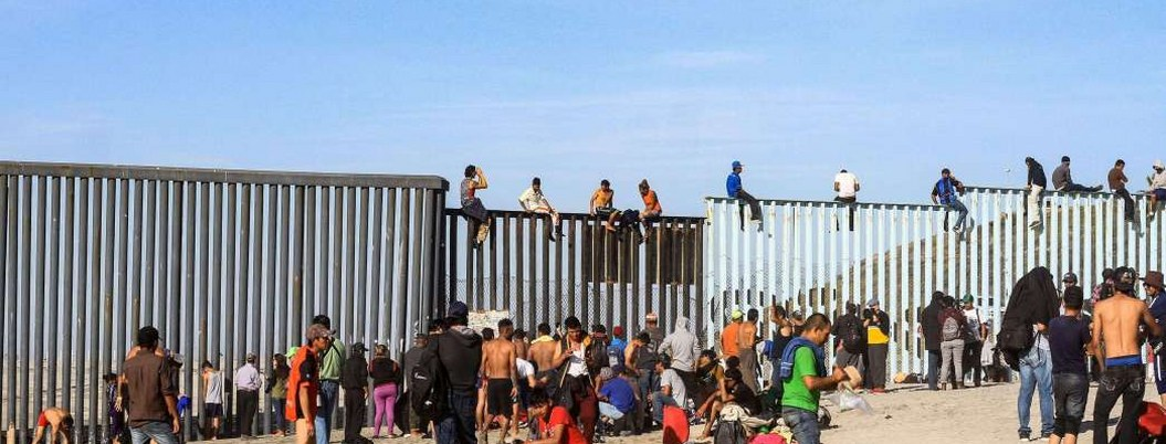 Gobierno de AMLO ha sido incompetente en frenar migrantes: Pompeo