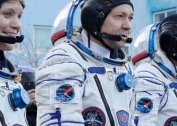 Astronautas despejan con éxito rumbo a Estación Espacial 1