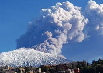 Sismo de 4.8 deja 4 heridos tras erupción del Etna al este de Sicilia 6