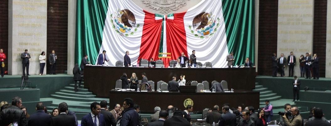 Titulares de Sener y Pemex plantan a diputados y oposición enfurece