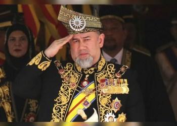El rey de Malasia abdica tras rumores de boda con modelo rusa 1