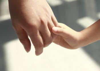 Niños secuestrados en EU regresan con su madre 2