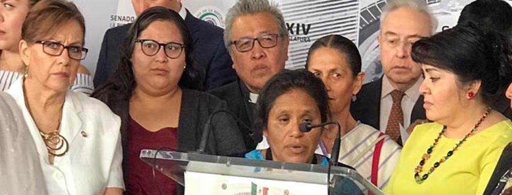 Senado exige garantizar seguridad de Obtilia Eugenio y su familia