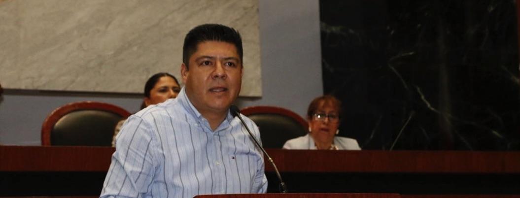 Diputados del PRD-Guerrero amagan con dejar bancada por lucha interna