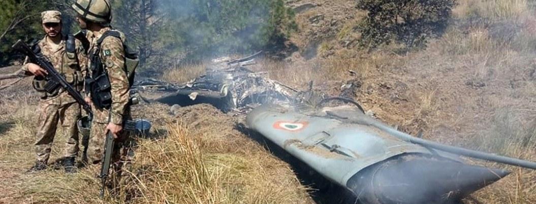 Pakistán derriba dos cazas indios y captura a sus pilotos