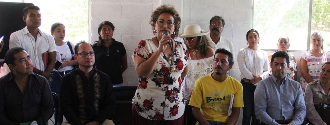 Adela atiende a damnificados de Ingrid y Manuel en Venta Vieja