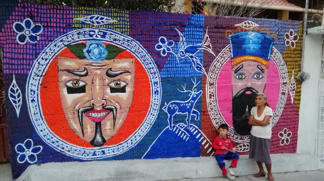 Jóvenes pintan murales en Chilpancingo para combatir la violencia 1