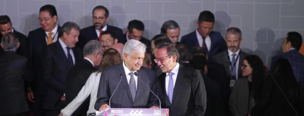 """AMLO vitorea a titular del CCE: """"es una bendición"""""""