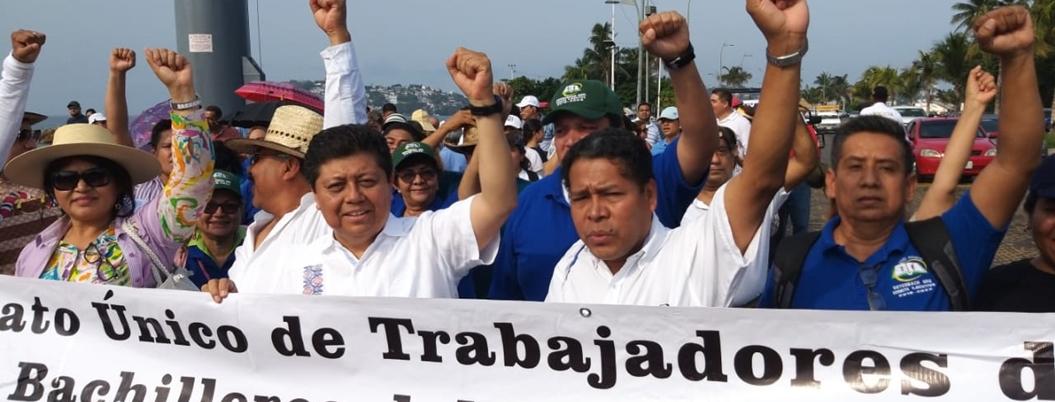 Diputado federal marcha en Acapulco porque no atienden su iniciativa