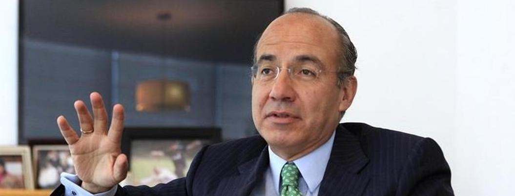 Calderón aprovecha suspensión de CFE en la BMV para criticar