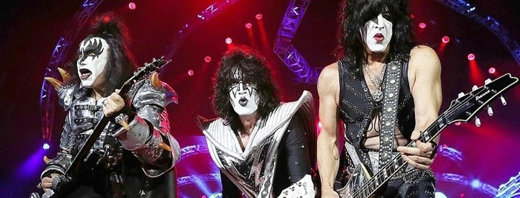 Kiss suspende su gira mundial: operarán de emergencia a Simmons