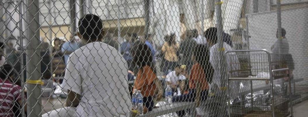 EU no localiza a familiares de 12 menores separados en la frontera