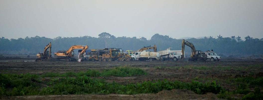 Pondrán primera piedra en refinería sin permisos de construcción