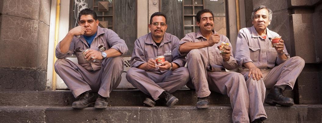 Trabajadores viven en carne propia la precariedad de México