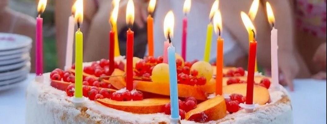 Niños resultan intoxicados por comer pastel en el festejo del Día del Niño