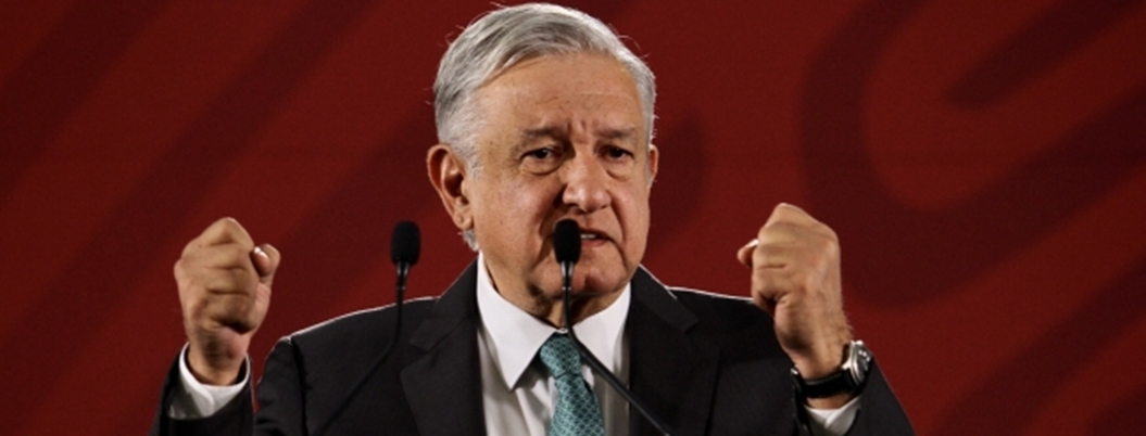 Andrés Manuel pasa la escoba por dependencias inservibles