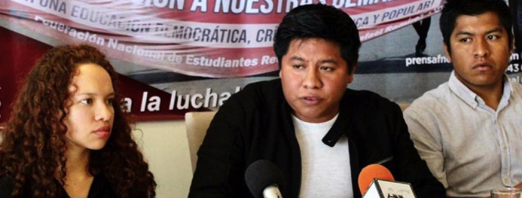 Estudiantes sin beca preparan protestas contra Andrés Manuel