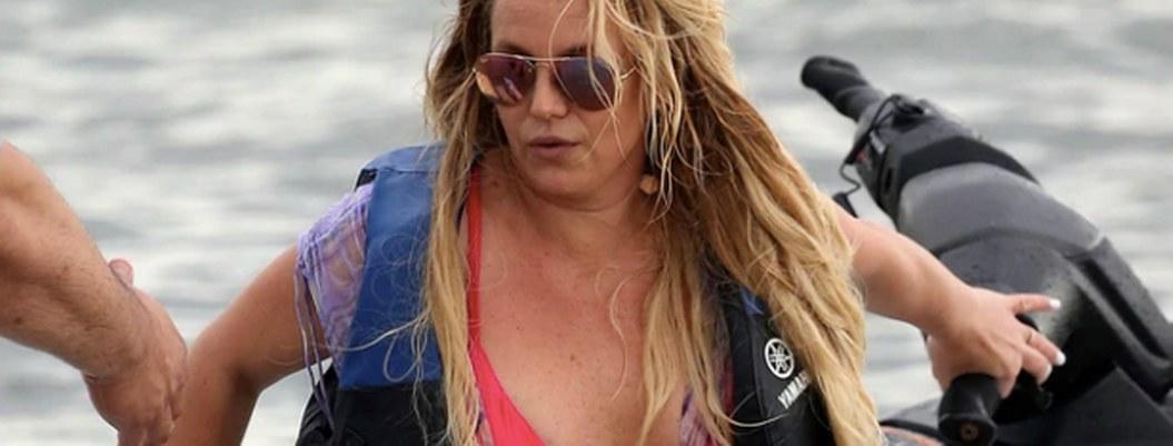 "Britney acusa a parazzi de editar fotos para hacerla parecer ""gorda"""