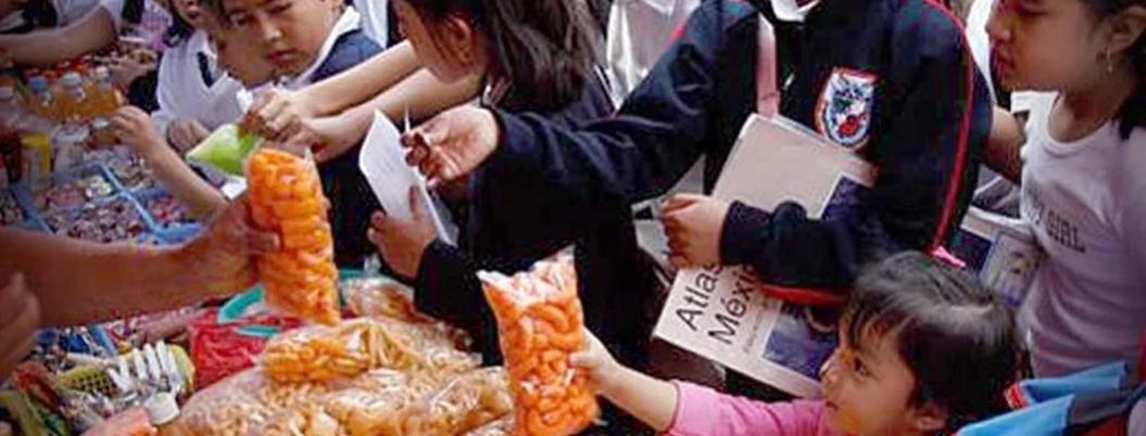 Comida Chatarra, el cáncer que azota a escuelas por encima de la ley
