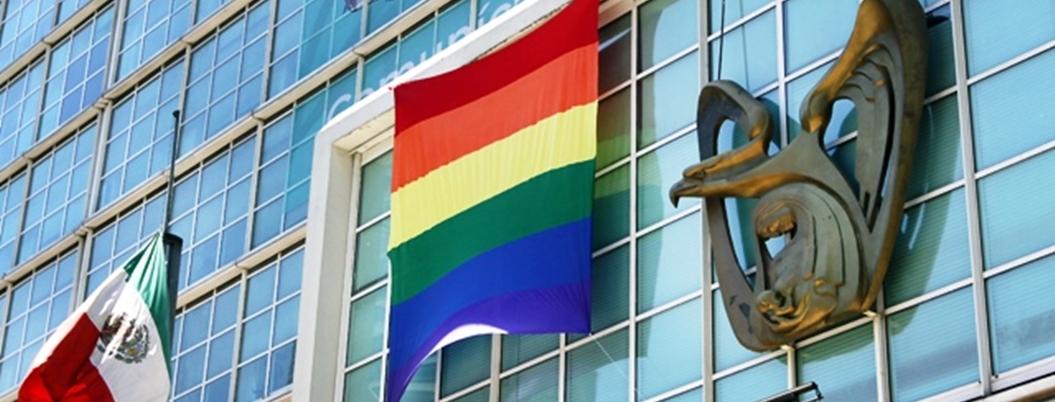 IMSS tiene afiliadas a mil 329 parejas del mismo sexo