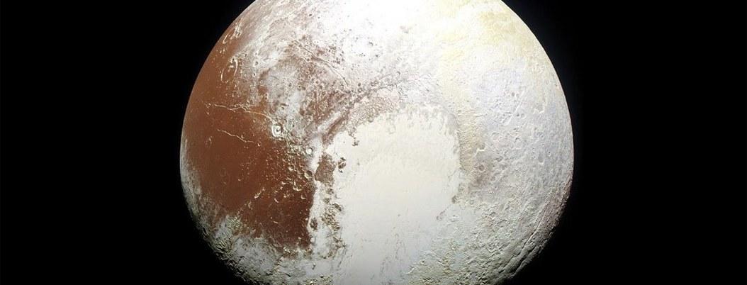 Encuentran evidencias de vida en Plutón, el planeta enano