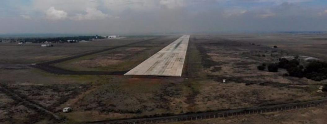 """""""Aeropuerto de Santa Lucía no está en riesgo"""", afirma Espriú"""