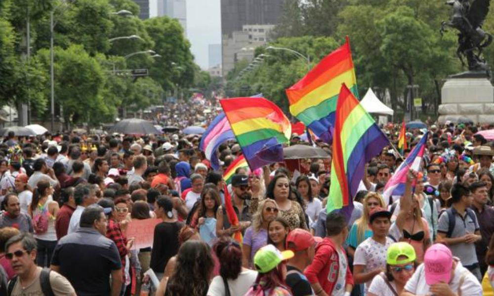 Realizan pruebas gratis de VIH en la Marcha del Orgullo LGBTTTI