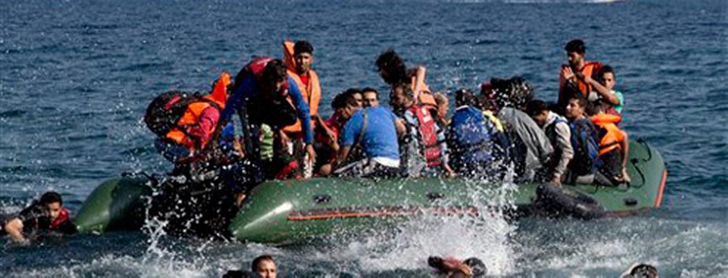 Mueren 8 personas al naufragar embarcación frente a costas turcas