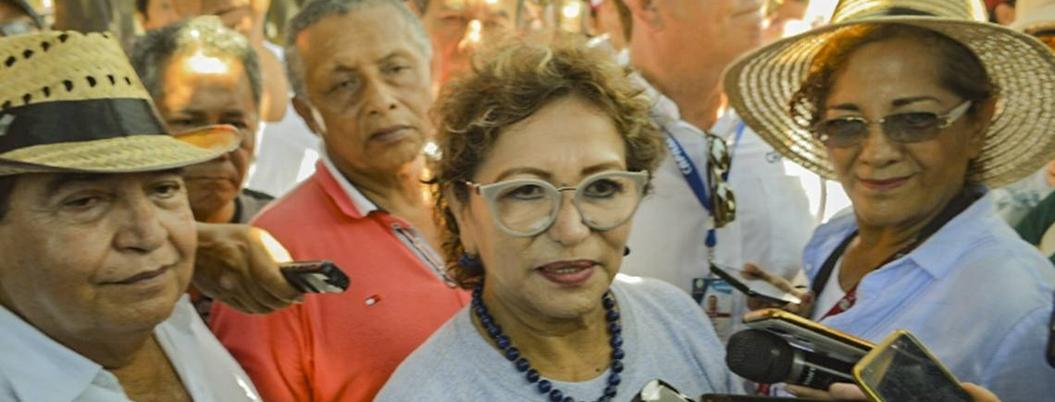Adela celebra entrega de recursos a municipios pobres de Guerrero