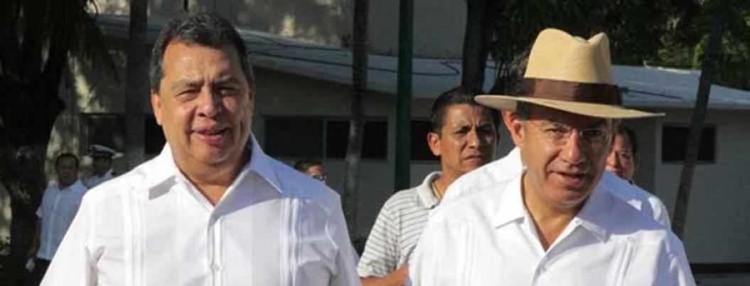Calderón y Aguirre vuelven a pelear por policías no certificados