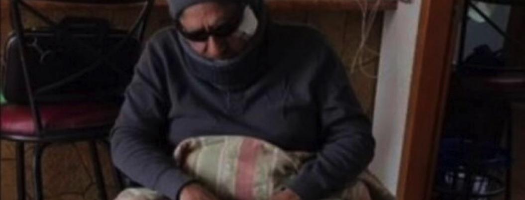 Alcalde de Chihuahua se disfraza de indigente; empleados lo maltratan