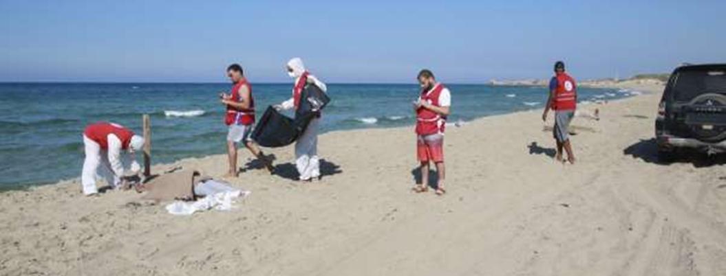Recogen 62 cadáveres de migrantes que naufragaron en costa de Libia